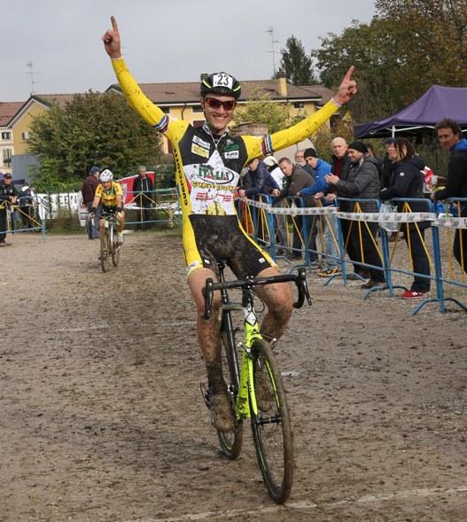 Edoardo Xillo vince gara Juniores ad Ospitaletto Mantovano (Foto Soncini)