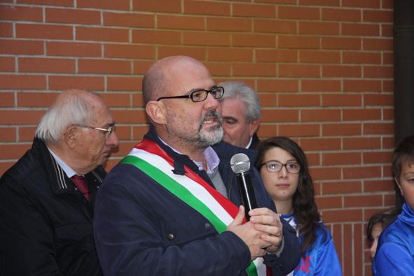 Il saluto del sindaco Michele Cattaneo (Foto Emanuele Ferrato)