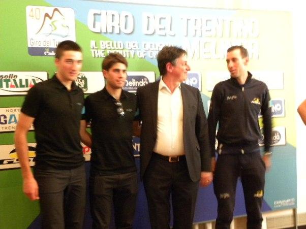 1° a sx, Gianni Moscon e, 1° a dx, Vincenzo Nibali (Foto Nastasi)
