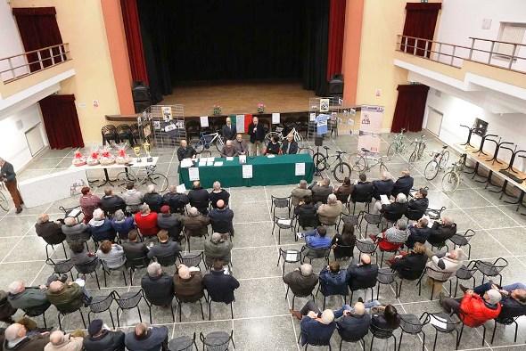 Panoramica sulla sala del Teatro SOMS a Viguzzolo (Foto Pisoni)