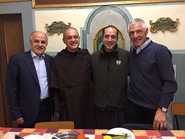 Da sinistra, Renato Di Rocco, Padre Nicola (Rettore del Convento), Padre Luca e Francesco Moser (Foto di Giacinto Gelli)