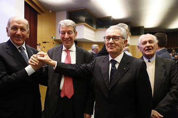 Gimondi, Adorni, fratelli Salvarani, che bella storia! (Foto Pisoni)