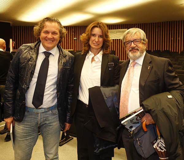 Norma Gimondi con Corrado Lodi, a sx e Angelo Santambrogio a destra (Foto Pisoni)