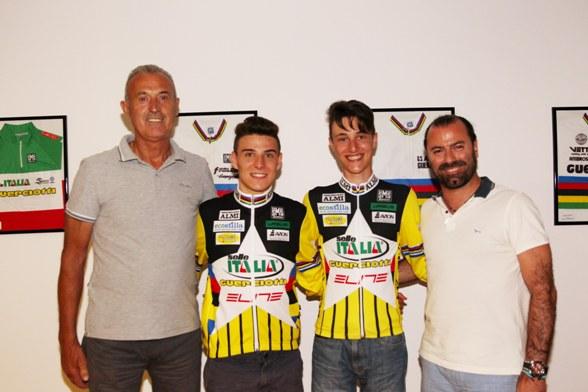 Vito Di Tano ed Alessandro Guerciotti con due loro talenti, Jakub Dorigoni, U23 ed Edoardo Xillo, Juniores, entrambi in gara all'Idroscalo nel 38° Memorial Mamma e Papà Guerciotti