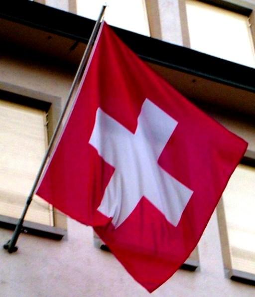 01.02.16 - Bandiera Svizzera esposta