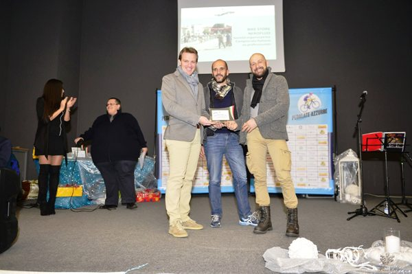 Presidente CP-VCO, Gianpaolo Cheula premia Stefano Brusco (Foto Nastasi)