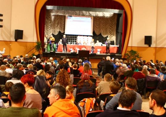 Teatro Oratorio Gropello - Premiazioni CP-FCI Pavia stagione 2016 - Foto da La Provincia Pavese del 12.12.16