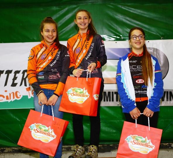 G6-F ad Acqui Terme da sx Matilde Ceriello, Martina Recalcati e Alice Siffredi, podio G6 Femm. (Foto Comunicato Stampa Lissone Mtb)