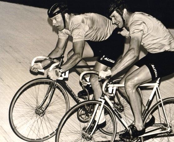 Luigi Roncaglia in pista (Foto La Gazzetta di Mantova del 12.12.16)