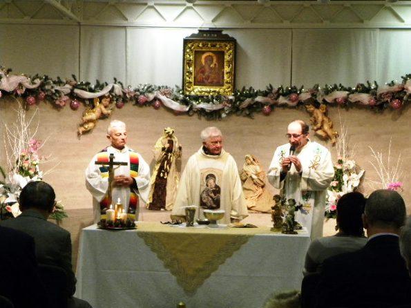Da sx, Don Felice, Don Mazzi e Don Gianni (Foto Nastasi)