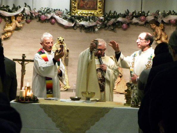 Da sinistra, Don Felice Riva, Don Antonio Mazzi e Don Gianni Nava (Foto Nastasi)