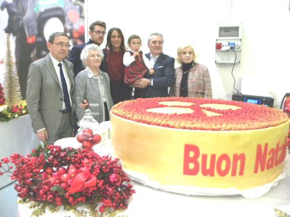 La torta del Buon Natale (Foto Nastasi)