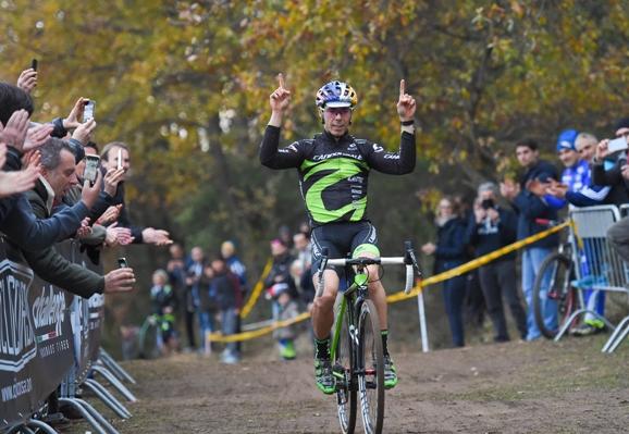 Marco Aurelio Fontana vince a Campochiesa d'Albenga (Pubbliphoto)