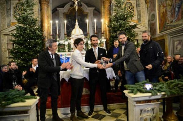 Daniele Bennati premiato dai nipoti di Martini, Elia Matteo ed Edoardo con Marco Mordini (Foto Remo Mosna)