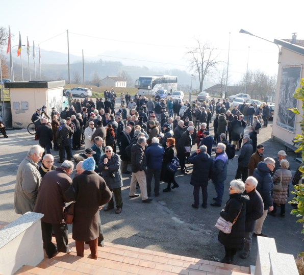 Piazzale antistante la Chiesa Parrocchiale di Castellania il 2.1.17 (Foto di Antonio Pisoni)