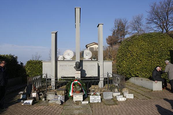 La Tomba di Fausto e Serse Coppi (Foto Pisoni)