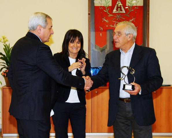 La citta^ di Biassono premia Adriano Nova Organizzatore della 95° Coppa D'Inverno