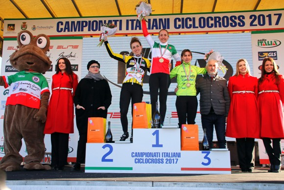 Podio ampio categoria Donne Elite Tricolori Ciclocross (photobicicailotto)