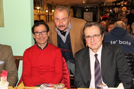 Da sx, Davide Cassani, Cav Otello Zama e Farolfi (Foto Mauro Benini)