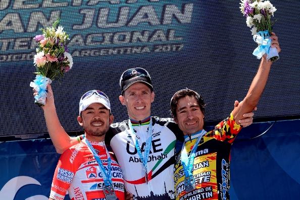 da sx, Torres, Rui Costa e Ricardo Escuela, Podio 5^ Tappa 35^ Vuelta a San Juan