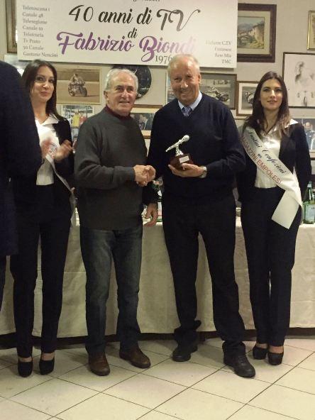 Bitossi Franco premiato alla festa dei 40 anni di TV di Fabrizio Biondi (Foto di Giacinto Gelli)