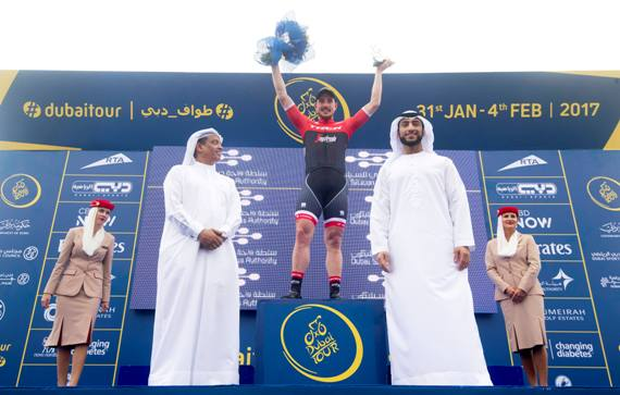 John Degenkolb sul podio vincitore 3^ tappa - (Foto Ansa). ANSA/CLAUDIO PERI