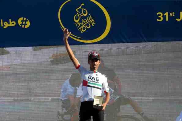 DUBAI TOUR: Premiazione di Mirza, professionista locale (Foto Ansa)
