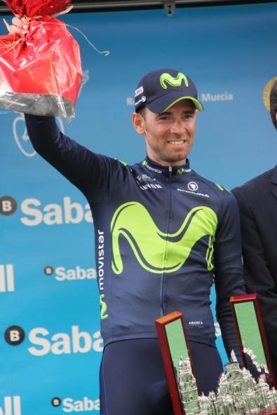 Valverde sul podio con i fiori (Foto JC Faucher)