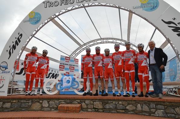 Team Androni al 54^ Trofeo Laigueglia (Foto Claudio Mollero)
