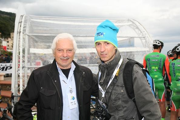 Gianni Savio e il fotoreporter Claudio Mollero a Laigueglia