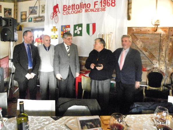 Dagnoni e Dirigenti Bettolino Freddo premiano Leo Balbo soprannominato Lo Zio (Foto Nastasi)