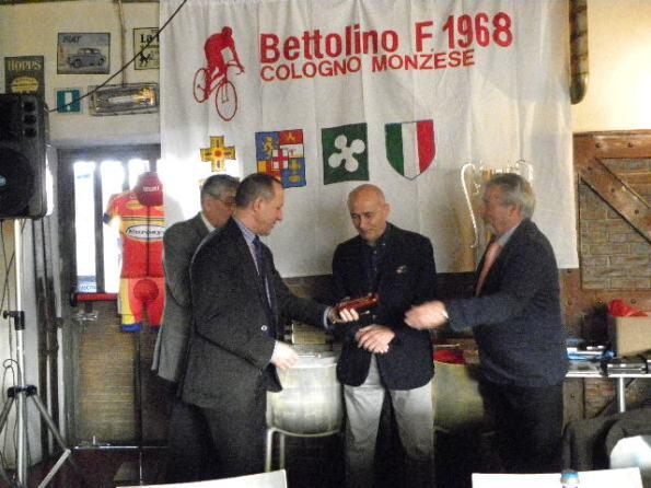 Dagnoni premia Flavio Campana Presidente Onorario Bettolino Freddo (Nastasi)