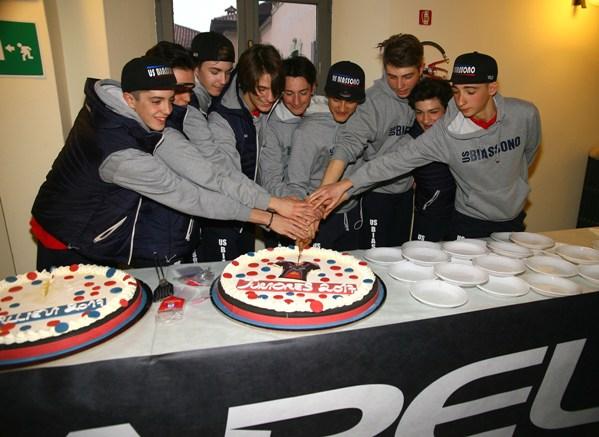 Taglio Torta degli Juniores (Foto Berry)