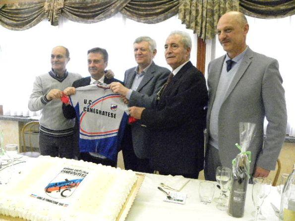 da sx, Cozzaglio, presidente CP-FCI Milano, Geom. Frenati, presidente UC Canegratese 1946 e Roberto Colombo Sindaco di Canegrate (Foto Nastasi)