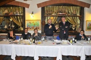 Stefano Bellaria Sindaco di Somma Lombardo rivolge il suo saluto e quello della Città al Cav. Pezzotta e a tutto il Velo Club (Foto Carlo Vaj)