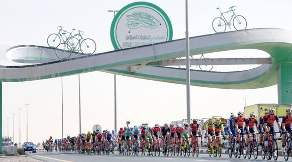 Pelotons ride during the Nakheel stage, the First stage of the Dubai Tour 2017, 181 km from Dubai International Marine Club to Palm Jumeirah. Dubai, 31 January 2017. ANSA/CLAUDIO PERI