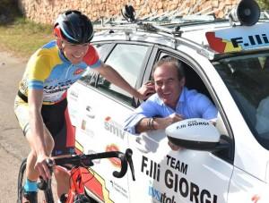 Carlo Giorgi sempre al seguito dei suoi corridori (Foto Rodella)