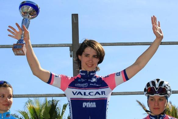 Marta Cavalli sul podio a Sanremo (Foto Ossola)