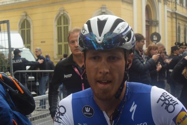 Matteo Trentin subito dopo l'arrivo a Sanremo (Foto Aldo Trovati)