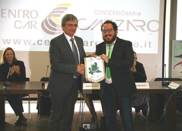 Consigliere CR-Lombardia, Adriano Borghetti premiato dal presidente Sala (Foto Berry)