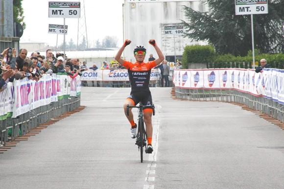 Luca Rastelli vince a San Paolo D'Argon (Foto Berry)
