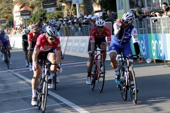 Gaviria su Sagan a Civitanova Marche (Foto photobicicailotto)