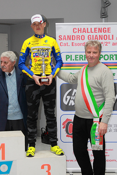 Premiazione di Gabriel Fede (Foto Kia Giuseppe Castelli)