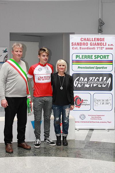 Sindaco Marco Giudici col leader della Challange Sandro Gianoli, Gioele Solenne (Foto di Kia Castelli)