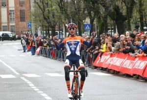 Piccolo vince la 49^ Varese-Angera (Foto Berry)