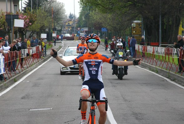 Francesco Galimberti vince a Mariano Comense (Berry)