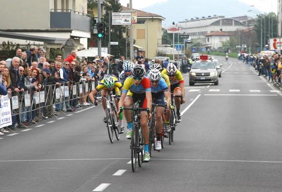 Nicola Plebani vince volata per il terzo posto (Foto Berry)