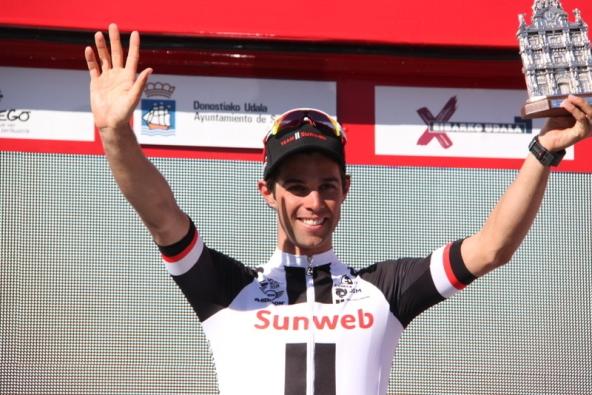 Matthews sul podio col Trofeo (JC Faucher)