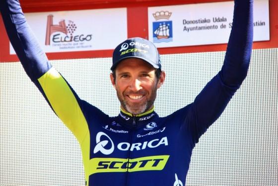 Michael Albasini sul podio (Foto di Jean Claude Faucher)