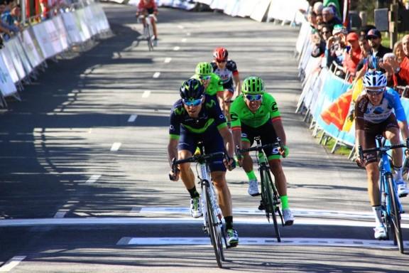 Alessandro Valverde su Romano Bardet ad Arrate (Foto di Jean Claude Faucher)